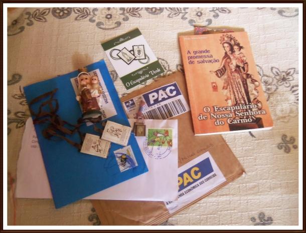 Escapulário e imagem de Nossa Senhora do Carmo que ganhei de amigos queridos!